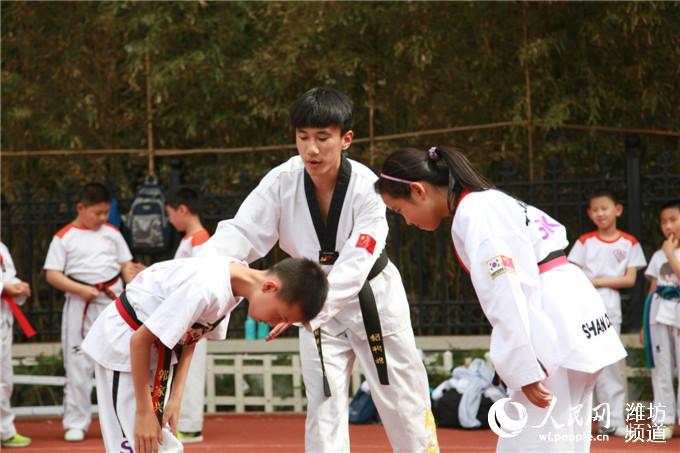 """潍坊北海学校举行庆六一""""千人擂台赛"""""""